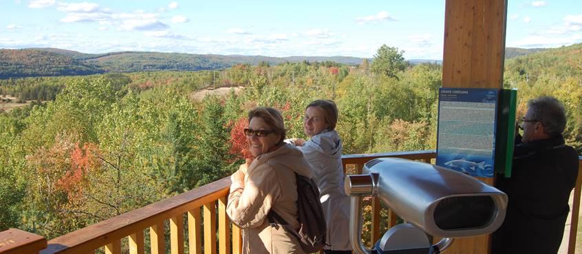 Tour d'observation Parc de chutes de la petite rivière Bostonnais, Domaine le Bostonnais