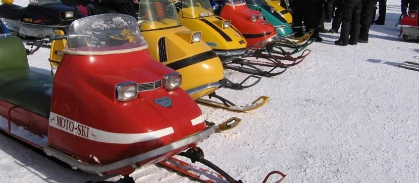 course motoneiges antiques