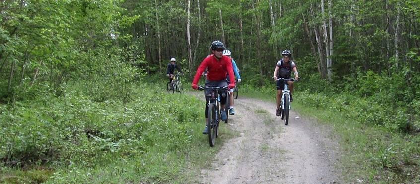 Piste cyclable Mauricycle de la Tuque, domaine le bostonnais, en Mauricie Canada