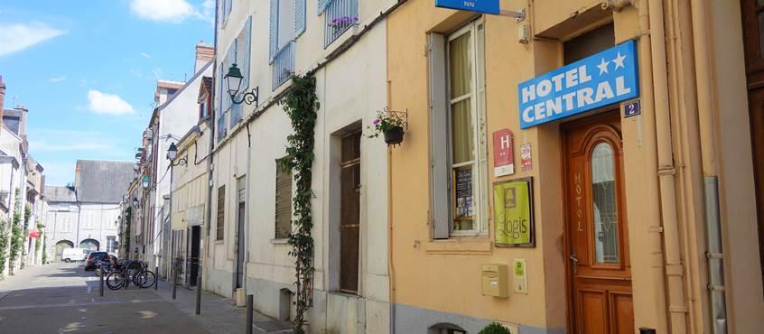 Façade Hôtel Central Montargis