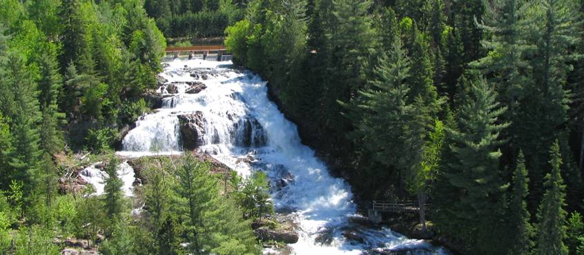 Domaine le Bostonnais, Parc des chutes de la petite rivière Bostonnais, mauricie , canada