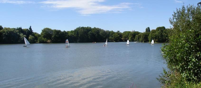 Lac des Closiers (10 minutes à pied)