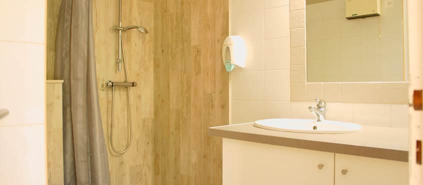 salle d'eau appartement résidence les peupliers