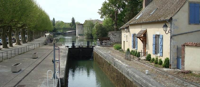 Canal de Briare (3 minutes à pied)