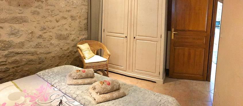 La Grangette, chambre de caractère, lit queen size