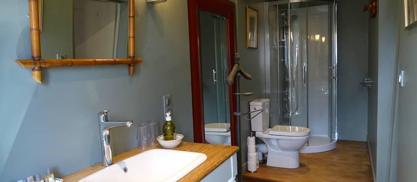 Château de Crocq, chambre De La Redorte, salle de bain.