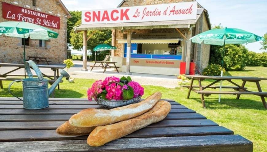 Notre restauration rapide au Mont Saint-Michel  le Jardin d'Anouck
