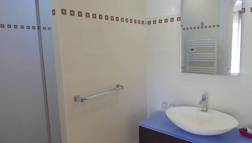 Chambres Communicantes salle d'eau 2