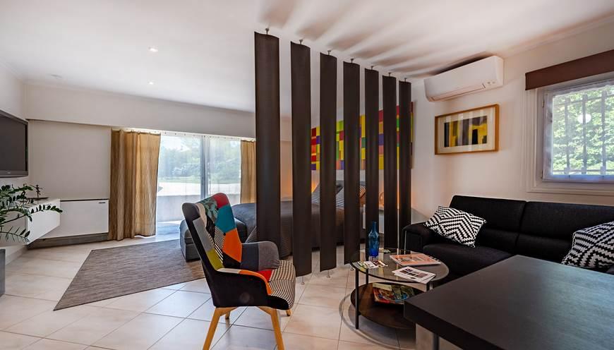 Studio-Casa-Dina-Chambre-d-hotel-avec-cuisine-equipee