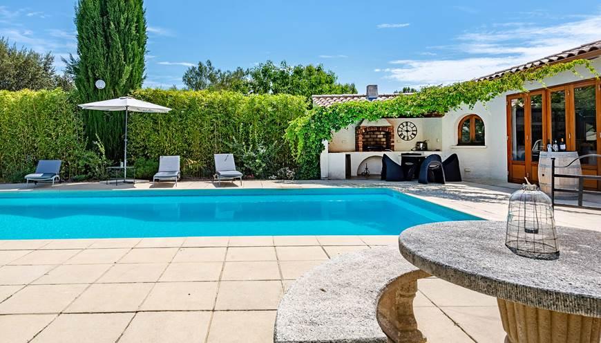 Espace-piscine-Casa-Dina