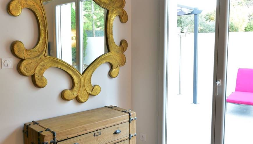 villaRIVIERA-chambre-miroir-sommieres