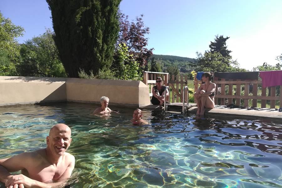 On se baigne à la Bastide du Claus