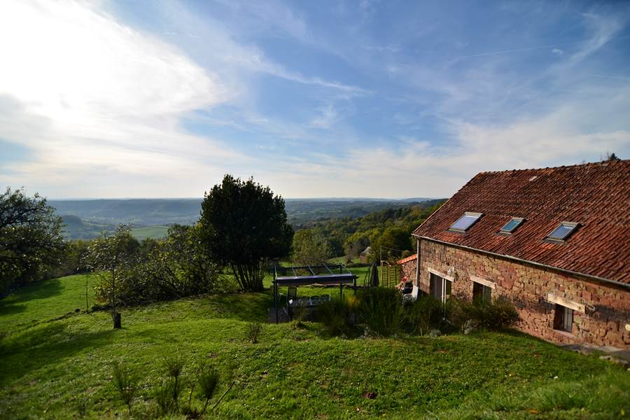 Le jardin et la terrasse avec vue sur Turenne