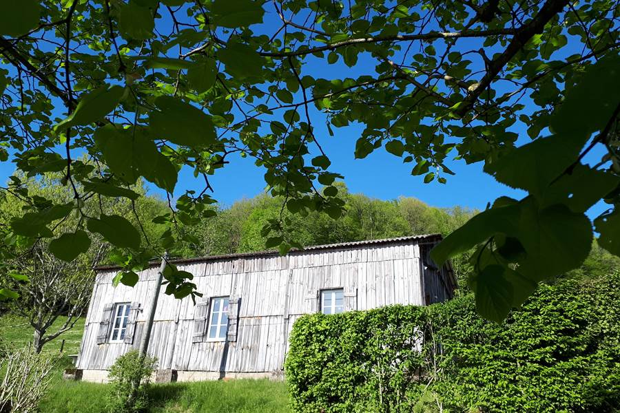 Façade de Casastelle face à la vallée de Turenne