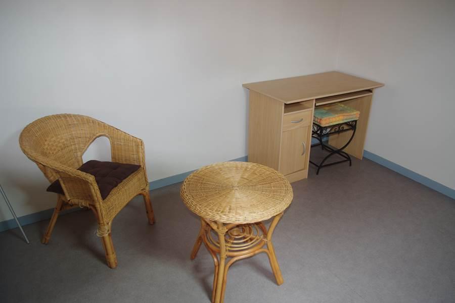 Mezzanine où on peut rajouter 1 chauffeuse ou matelas...