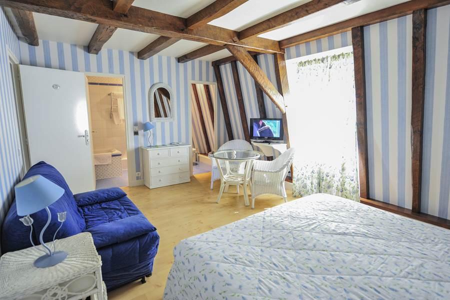 Villa Ric, chambres climatisées à Saint-Céré proche Padirac et Rocamadour