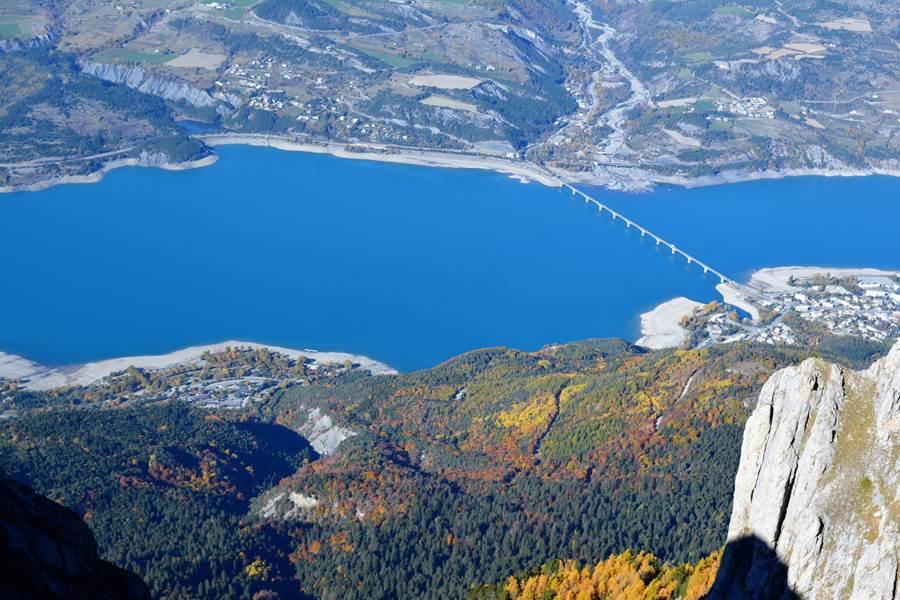 Lac de Serre Ponçon vu du Pic du Morgon