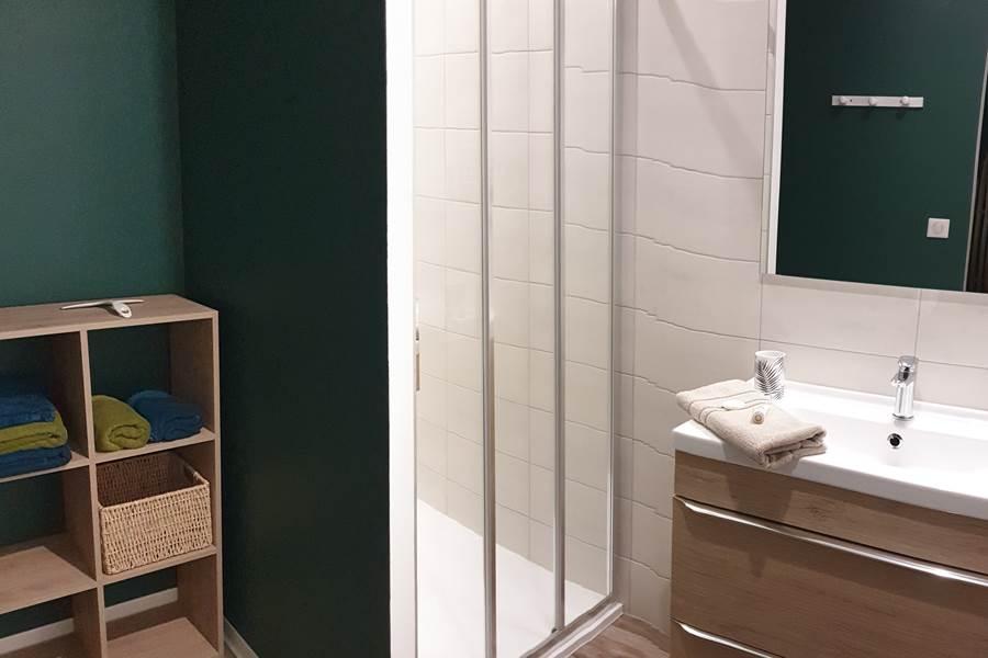Lo Maïsou - Le gîte de la Vieille Maison de Pensol - Salle de douche 1 et 2