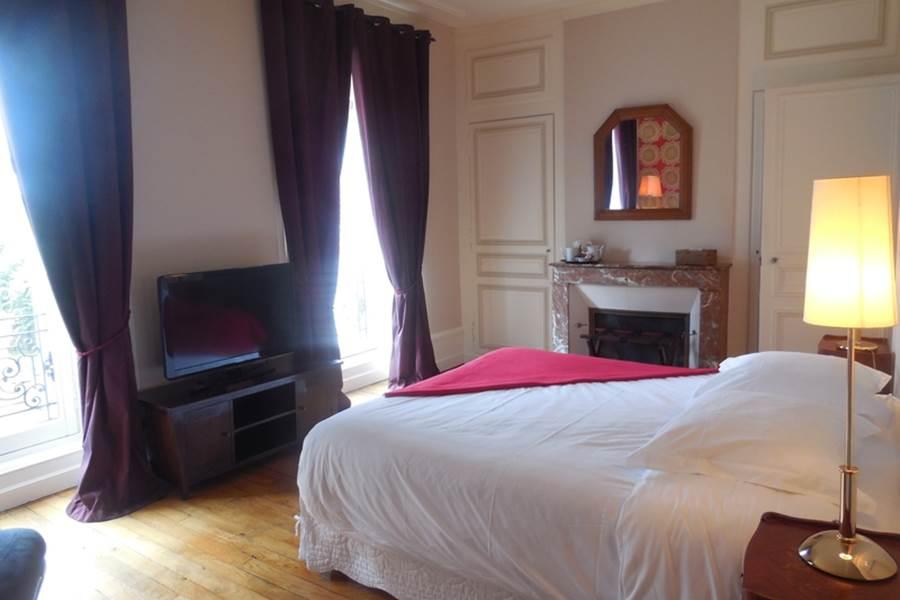 Chambres d'hôtes Le Jardin des Lys  chambre Lys Cristal