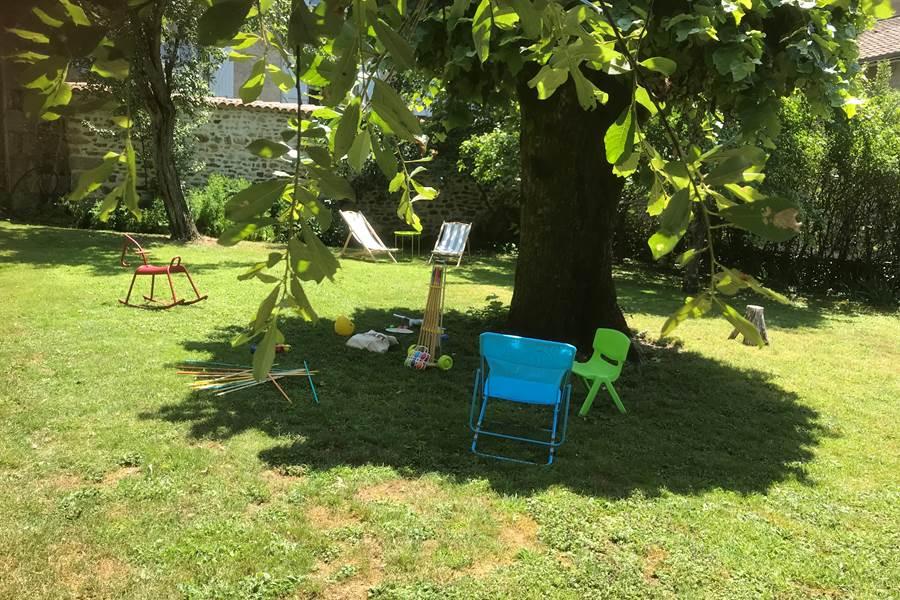 chambre d'hôtes, Le Jardin des Lys, farniente, jardin, limousin, famille
