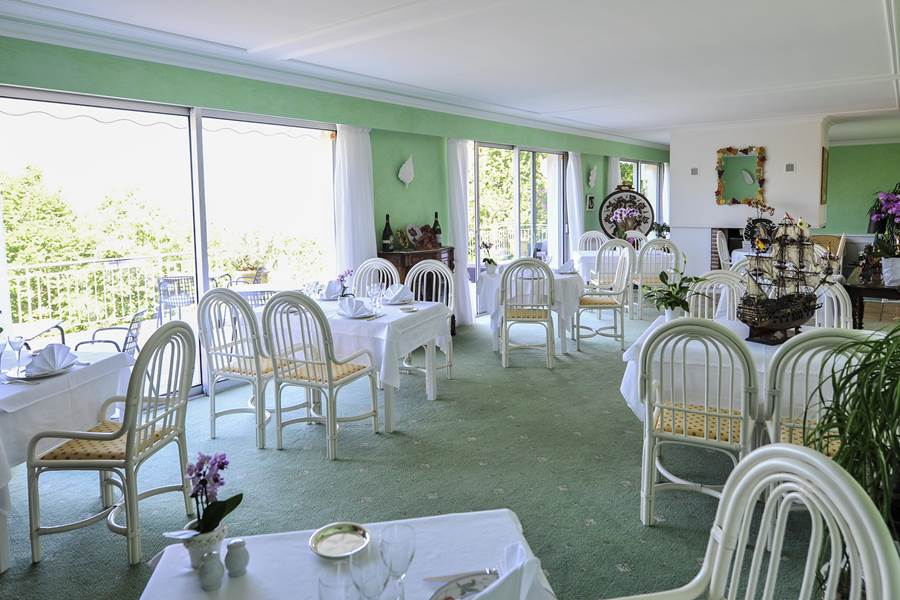 Villa Ric, table gourmande, vue sur la vallée de la Dordogne