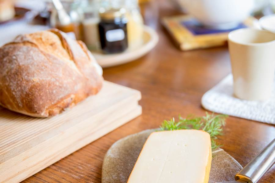 B&B-A-Quiet-Place-Orval-fromage