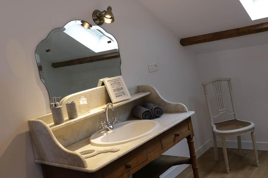 Suite La Garence, espace salle de bain