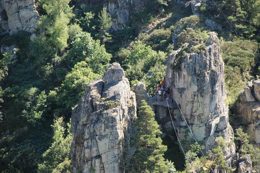 Les Chalets de la Margeride Une Tyrolienne impressionnante