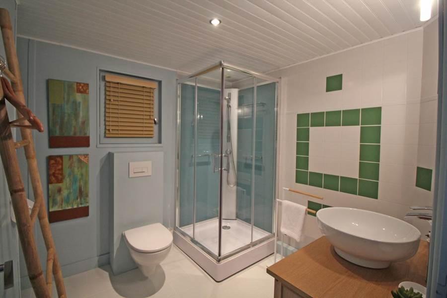 salle de bain suite Tardoire et Bandiat - La Vieille Maison de Pensol - PNR Périgord-Limousin