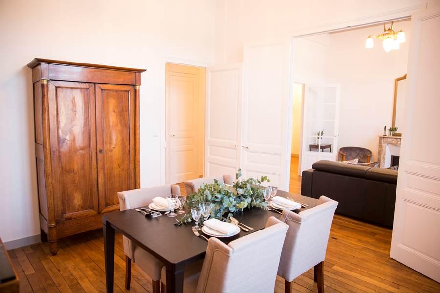 La salle à manger - Les Effrontés Louis Blanc