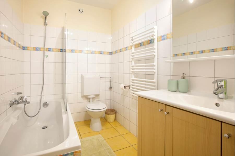 salle de bain  bathroom