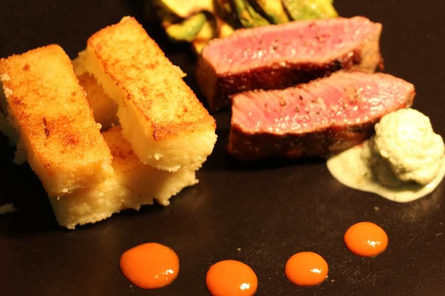 Filet d'agneau, sauce froide au chèvre frais et concombre