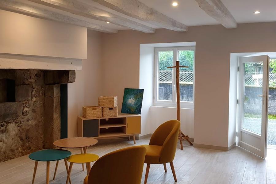 Le salon du Gîte Lo Maïsou - La Vieille Maison de Pensol - 87