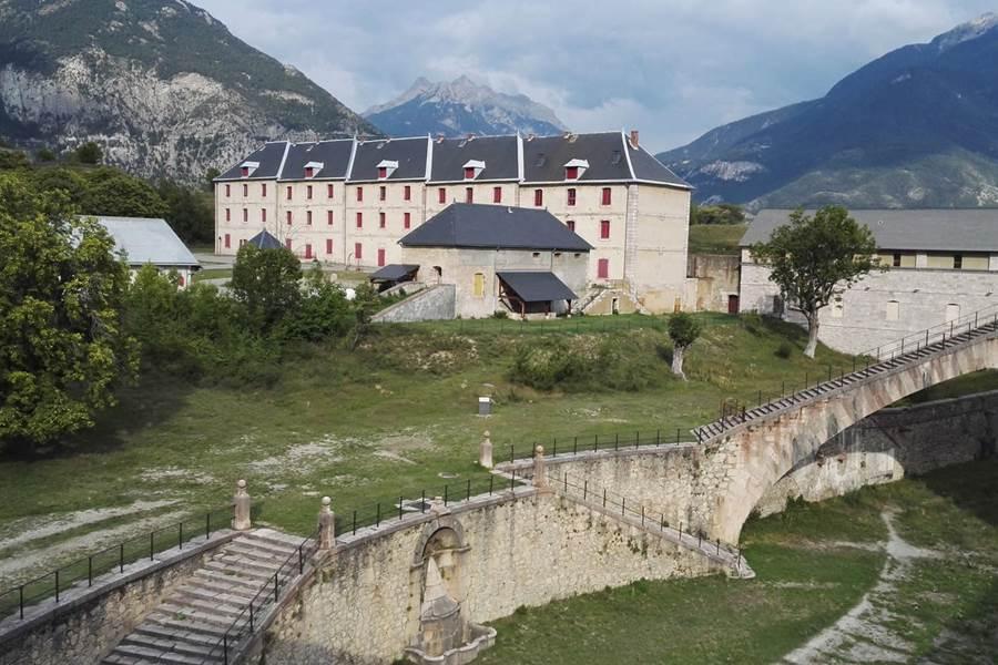 Montdauphin  la caserne Rochambeau