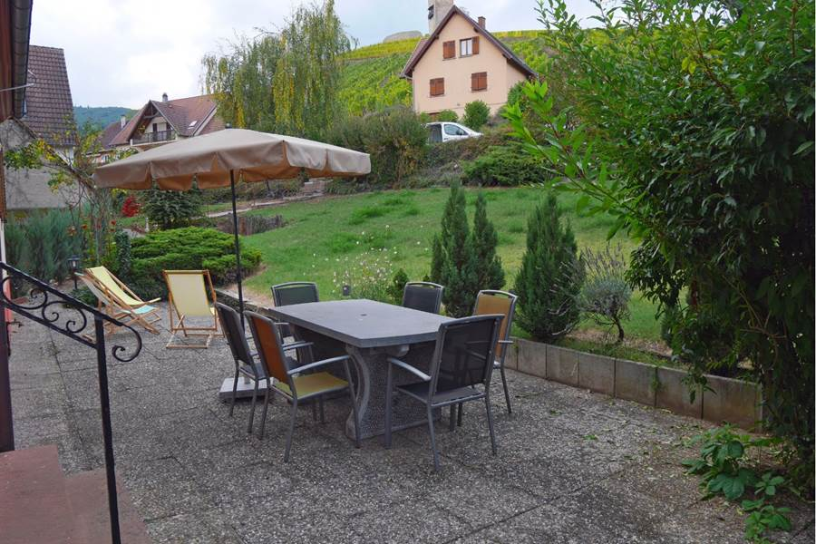 terrasse et jardin commun   shared terrace and garden