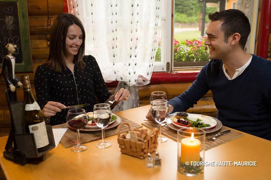 Domaine le Bostonnais, restaurant, hébergement la Tuque en Mauricie, Canada