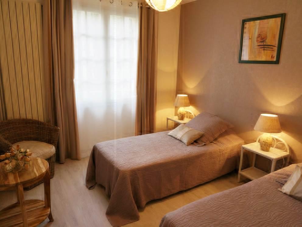 Chambre d'hote lits jumeaux twin l'Orée du Bois dordogne perigord Les Feuillantines