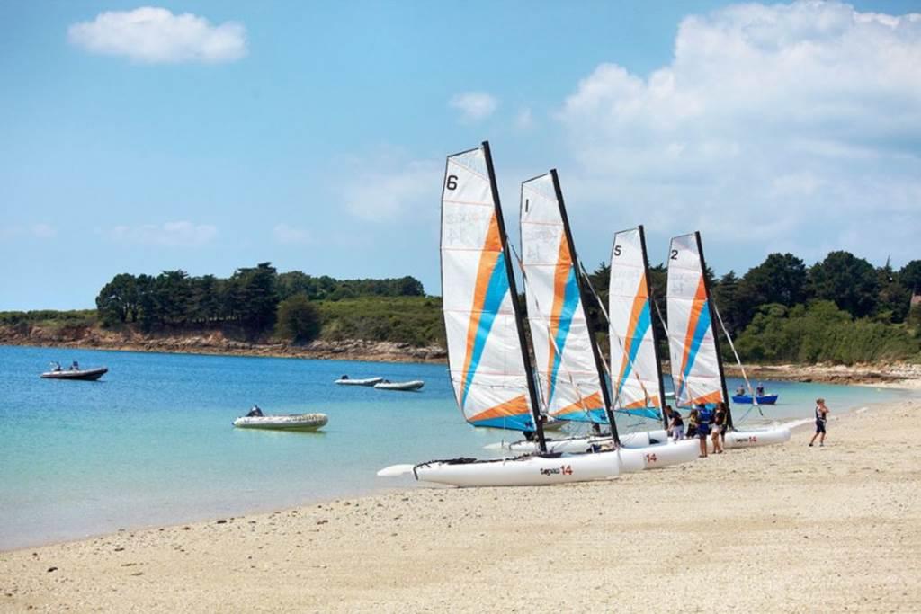 Catamarans-Ecole-de-voile-du-fogeo-arzon-morbihan-bretagne sud