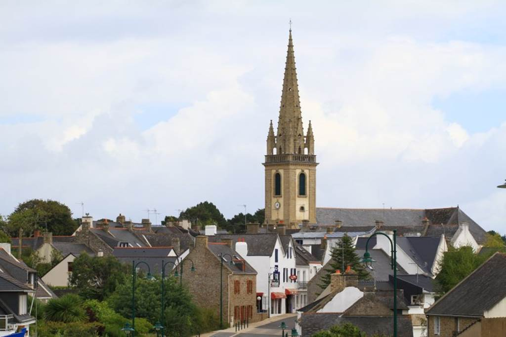 Le-bourg-arzon-morbihan-bretagne-sud